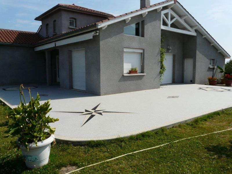 Revetement design decoratif terrasse for Terrasse piscine beton